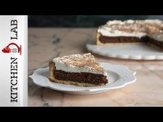 Chocolate and caramel soufflé tart by Greek chef Akis Petretzikis. Make easily this recipe for a rich, decadent dessert with a tart crust and souffle filling! Sweet Pie, How Sweet Eats, Caramel, Cheesecake, Lemon, Chocolate, Baking, Desserts, Recipes