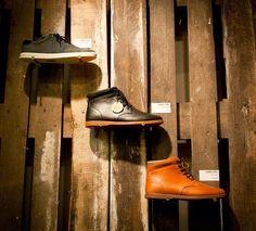 La marca de calzado Clae, con la ayuda del estudio de arquitectura Polaco Mode:lina, han tenido la original idea de decorar una de sus bout...