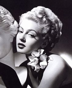 Discover recipes, home ideas, style inspiration and other ideas to try. Hollywood Photo, Old Hollywood Stars, Old Hollywood Glamour, Vintage Glamour, Classic Hollywood, Vintage Hollywood, Vintage Ladies, Lana Turner, Classic Actresses