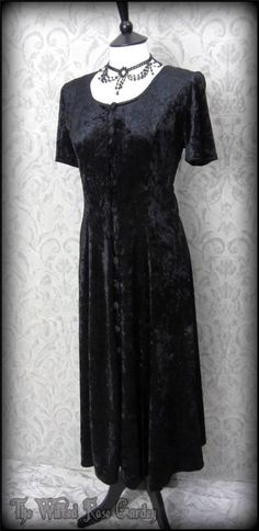 Black Crushed Velvet Button Front Maxi Dress 12 Hippie Goth Witchy Wiccan Boho | THE WILTED ROSE GARDEN