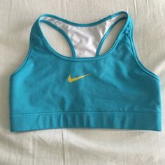 NIKE Livestrong sports bra ⚠️PLEASE READ: Closet closing 12/26 indefinitely as I am moving and will be unable to take my inventory with me, so please make an offer. Serious inquiries only - Thank you!⚠️ EUC. No stains or signs of wear. NIKE size chart added! Nike Intimates & Sleepwear Bras