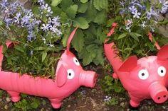 Pot-flowerpot from plastic bottles, piglet. Decor for a garden or cottage Plastic Milk Bottles, Plastic Bottle Planter, Plastic Bottle Flowers, Plastic Bottle Crafts, Recycled Bottles, Soda Bottle Crafts, Milk Jug Crafts, Diy Home Crafts, Garden Crafts