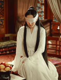 Yang Mi 杨幂 Three Lives, Three Worlds, Ten Miles of Peach Blossoms 三生三世高清剧照 夜华 Eternal Love Drama, Fantasy Gowns, Peach Blossoms, Chinese Clothing, Female Stars, Oriental Fashion, Actors, Beautiful Moments, Costumes For Women