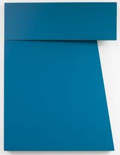 "Carmen Herrera, Azul ""Tres"", 1971, acrylic on wood. ©CARMEN HERRERA/PRIVATE…"