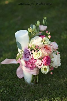 Sweet  #flowerdipity #baptism #wedding #flowers #candle #event #peach #white #fuchsia #lila Pillar Candles, Decoration, Wedding Flowers, Peach, Garden Roses, Pink Flowers, Sweet, Events, Lilac