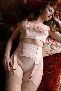 On Dollhouse Bettie: Deja Vu Dessous Natalie Bralette & Garter Belt