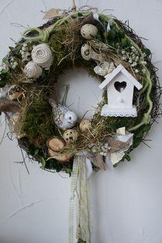 """Türkränze - Türkranz """" Frühling in der Vogelvilla...."""" - ein Designerstück von Hoimeliges bei DaWanda Diy Wreath, Mesh Wreaths, Grapevine Wreath, Deer Nursery, Woodland Nursery, Felt Mobile, Different Textures, Cubbies, Christmas Wreaths"""