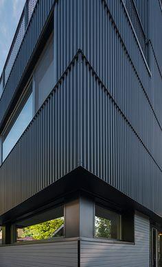 Image 5 of 17 from gallery of Park Passive House / NK Architects. Photograph by Aaron Leitz Industrial Architecture, Facade Architecture, Sustainable Architecture, Metal Cladding, Metal Siding, Estilo High Tech, Facade Design, House Design, Retail Facade
