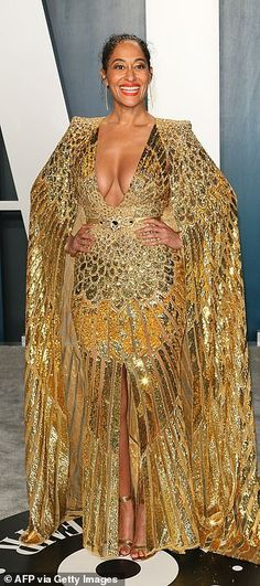 Kim Kardashian and Kylie Jenner party at Vanity Fair's Oscars bash Emily Ratajkowski Vanity Fair, Sparkly Gown, Kim Kardashian And Kanye, Lace Blazer, Looking Dapper, Lilac Dress, Vanity Fair Oscar Party, Fringe Dress, Red Carpet Looks