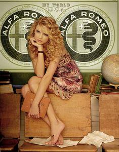 Fiat 500, Alfa Alfa, Alfa Romeo Spider, Barefoot Girls, Alfa Romeo Cars, Grid Girls, Biker Chick, N Girls, Blonde Beauty