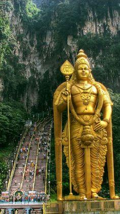Hindu Temple at Batu caves, Kuala Lumpur Malaysia Kuala Lumpur, Borneo, Great Photos, Cool Pictures, Travel Pictures, Batu Caves, Statues, Lord Murugan, Hindu Temple