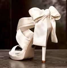 These Vera Wang wedding shoes are sure to make you