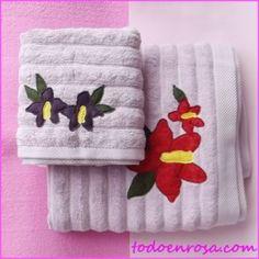 http://todoenrosa.com/446-thickbox_default/conjunto-toallas-duo-flor.jpg