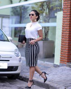 { Um look clássico e lindo da @divina.saia.oficial } Quem aí e apaixonada por saia? Na @divina.saia.oficial tem vários modelos para todos…
