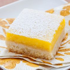 Most lemon square recipes seemed designed to please people who like the shortbread crust more than the lemon filling. We wanted a thick, creamy topping with bold—not puckering—lemon flavor.
