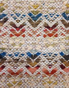 Here is an example of what happens when we pair new patterns with rag rug style process. Weaving Textiles, Textile Fabrics, Weaving Art, Loom Weaving, Hand Weaving, Mosaic Patterns, Textile Patterns, Print Patterns, Weaving Projects