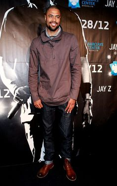 Tyson Chandler Takes In Jay Z Concert