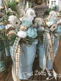 traditional home decor Easter Flower Arrangements, Artificial Floral Arrangements, Hoppy Easter, Easter Gift, Easter Bunny, Spring Projects, Spring Crafts, Ideas Actuales, Easter Crafts For Kids
