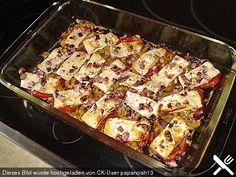 Tomate, Peperoni, Oliven mit Schafskäse und Zwiebeln überbacken
