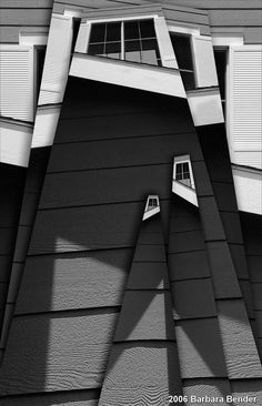 Façade, image by Barbara Bender Facade Architecture, Contemporary Architecture, Geometry Architecture, Installation Architecture, Facade Design, Exterior Design, Ouvrages D'art, Construction, Architectural Elements