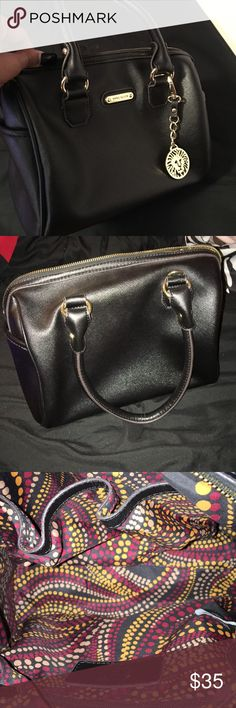 Black Anne Klein purse -excellent condition  -carried only a handful of times Anne Klein Bags Totes