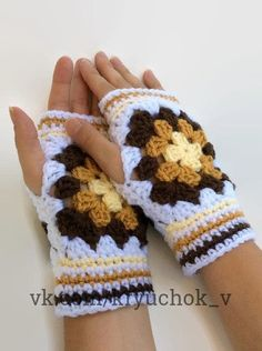 Yellow Granny Square Driving Gloves & Fingerless Mittens & Crochet Fingerless… Yellow Granny Square Driving Gloves & Fingerless Mittens & Crochet Fingerless… The post Yellow Granny Square Driving Gloves Granny Square Häkelanleitung, Granny Square Crochet Pattern, Crochet Granny, Hand Crochet, Crochet Patterns, Granny Squares, Fingerless Gloves Crochet Pattern, Fingerless Mitts, Knitted Gloves