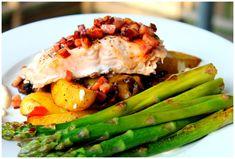 VERDENS BESTE FISKEMIDDAG - Treningsfrue Vegetables, Bacon, Food, Pineapple, Red Peppers, Veggies, Veggie Food, Meals, Vegetable Recipes
