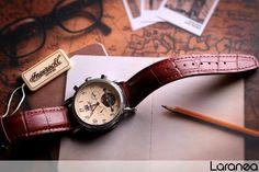 Wir ❤ den Retrolook! Ihr auch? Mehr dazu in unserem Magazin: http://www.laranea.de/retro-armbanduhren