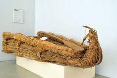 papirelle - Datate tra il VI e il IV millennio. Tipiche dell'Antico Egitto. Realizzate con fusti di papiro (intrecciati e legati a formare un blocco unico) ricurvi alle estremità. Barca fluviale utilizzata per navigare sul Nilo.