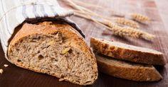 Recette de Pain complet léger pour régime Montignac. Facile et rapide à réaliser, goûteuse et diététique. Ingrédients, préparation et recettes associées.