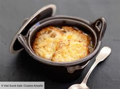 The real onion soup - recipes - cuisine - Meat Recipes Onion Soup Recipes, Oven Recipes, Meat Recipes, Gourmet Recipes, Meat Appetizers, Appetizer Recipes, Appetizer Ideas, Cracked Cookies, Recipes From Heaven