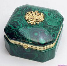 Русская шкатулка из малахита