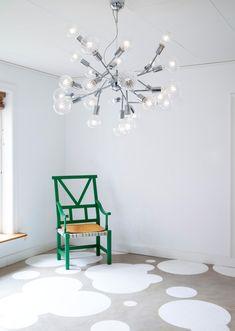 Riippuvalaisin By Rydéns Hero, kromattu Scandinavian Ceiling Lighting, Kristiansund, Chair Makeover, Heron, Globes, Chrome Finish, Pendant Lamp, Floor Lamp, Chandelier