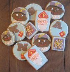 Sinterklaas koekjes met royal icing (zie een beschrijving op de website) Tip; bak de koekjes op het rooster ipv de bakplaat. Heart Cookies, Sugar Cookies, Cookie Decorating, Sweet Tooth, Bakery, December, Cupcakes, Royal Icing, Birthday