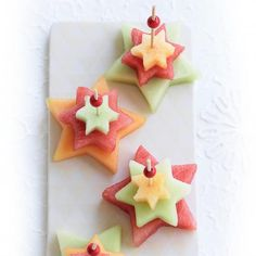 17 Trendy Fruit Dishes For Kids Christmas Trees Fruit Christmas Tree, Christmas Trees For Kids, Summer Christmas, Christmas Party Food, Xmas Food, Christmas Cooking, Christmas Desserts, Christmas Diy, Christmas Lunch Ideas