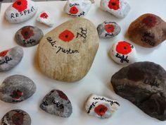WELKOM IN HET ZESDE LEERJAAR: Knutselen en zingen voor de vrede Flanders Field, November, School, Autumn Ideas, Poppies, Poppy