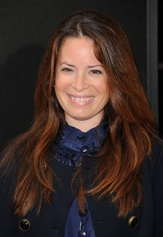 "Holly Marie Combs Photos Photos: Premiere Of Dimension Films' ""Spy Kids: All The Time In The World - Arrivals Famous Hairstyles, Celebrity Hairstyles, Beautiful Long Hair, Beautiful Women, Charmed Tv, Holly Marie Combs, Spy Kids, Bridget Jones, Beautiful Celebrities"