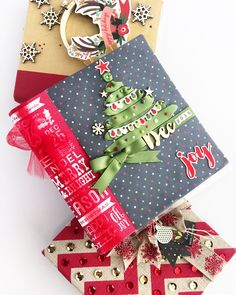 Looking for inspiration for your December Daily Album? Check out the FREE Document Your December Class for tons of ideas. Christmas Mini Albums, Christmas Gifts For Friends, Christmas Scrapbook, Christmas Minis, All Things Christmas, Christmas Ideas, Christmas Journal, Xmas, December Daily