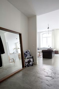 Concrete floor. Awesome mirror