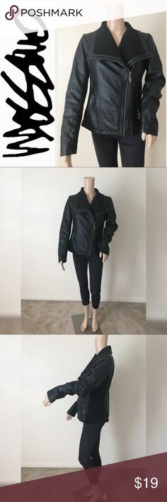 💫Black Moto Jacket 💫 💫Mossimo Black Moto Jacket💫Very Good used condition💫No flaws💫Size M true to size💫Smoke and pet free home💫No trades💫Ships same/next day💫 Mossimo Supply Co. Jackets & Coats