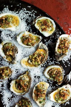 Broiled Oysters on the Half Shell - South's Best Oyster Recipes - Southernliving. Recipe: Broiled Oysters on the Half Shell For an even easier version of Jim Gossen's oysters, omit the shells, double the recipe, and broil the oysters in a baking dish. Seafood Dishes, Fish And Seafood, Seafood Recipes, Appetizer Recipes, Cooking Recipes, Dinner Recipes, Seafood Party, Shellfish Recipes, Cooking Game