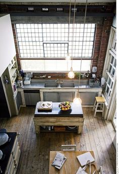 Bel exemple d'aménagement de cusine épinglé par Helpmaison Groupement d'artisans wallons (Belgium) Helpmaison vous aide à concrétiser vos rêves de rénovation et d'aménagment voir ; http://helpmaison.com/pour-quels-travaux/