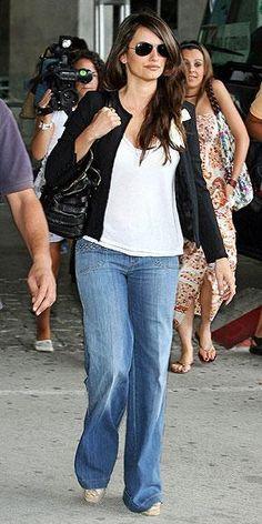 Who made Penelope Cruz's black purse? Purse – Jimmy Choo