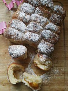 flaumige Buchteln aus Hefeteig mit Marmeladen Fülle Austrian Recipes, French Toast, Bakery, Breakfast, Food, Eve, Cooking, Chef Recipes, Morning Coffee