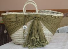 """New Cheap Bags. The location where building and construction meets style, beaded crochet is the act of using beads to decorate crocheted products. """"Crochet"""" is derived fro Hessian Bags, Sacs Design, Lace Bag, Diy Sac, Creation Couture, Boho Bags, Basket Bag, Summer Bags, Bead Crochet"""