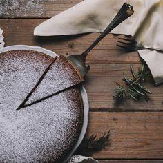 Αφράτο και λαχταριστό: Σοκολατένιο κέικ με μόνο 4 υλικά, χωρίς αλεύρι   BOVARY Fudge