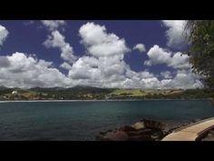 Le « tombolo » est une langue de terre reliant en l'occurrence l'ilet de Sainte-Marie à la côte.  Il est généralement praticable à pied de janvier à avril,  facilitant ainsi la découverte de l'îlet. Les photos sur http://www.photos.iles-antilles.net