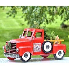 The Medium Christmas Truck with LED Tree is the perfect option if one of our beautiful large trucks is not. Finely crafted powder coated iron and nicely painted, this indoor/outdoor decoration will provide lots of holiday cheer with some versatil Christmas Colors, Christmas Home, Christmas Holidays, Christmas Truck With Tree, Light Up Tree, Led Tree, Snoopy Christmas, Autumn Decorating, Nutcracker Christmas