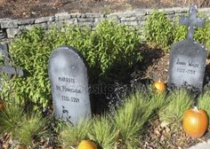 Halloween history setting showing the Marquis de Montcalm and James Wolfe gravestones, the two military people that fought in 1759 in Quebec city