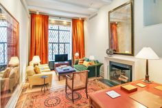 Food Network star Ina Garten, known as the Barefoot Contessa, is selling this charming pied-à-terre in New York City Upper East Side just steps from Central Park. One Bedroom Apartment, Apartment Interior, Living Room Interior, Living Rooms, Living Area, Living Spaces, Manhattan Apartment, New York City Apartment, Interior Architecture